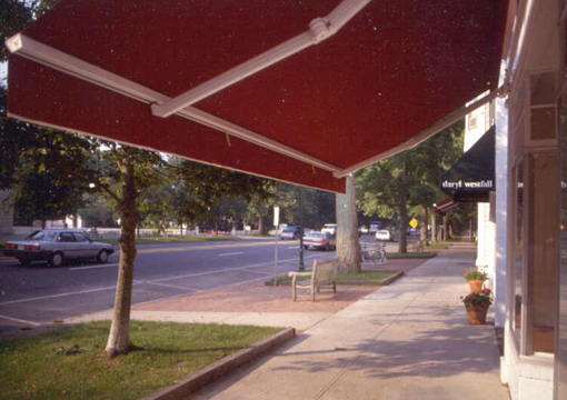 Commercial Buildings Benefit From Retractable Awnings